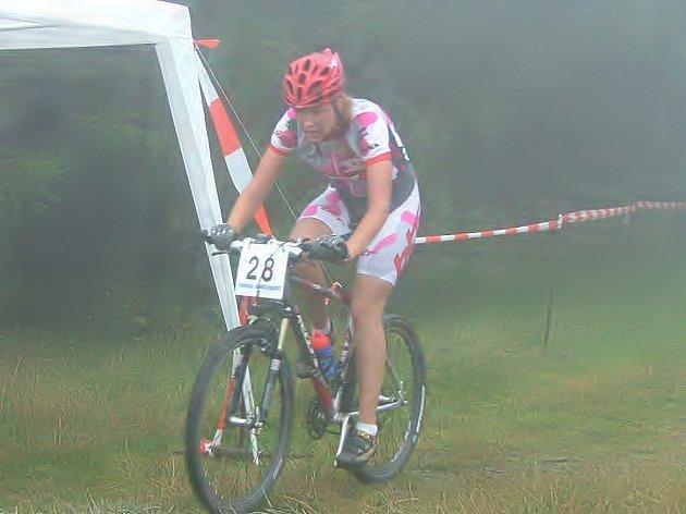 Pavla Vaňurová nenašla v Závodu horských kol na Velký Javorník v kategorii ženy 20 - 34 let přemožitelku.
