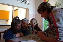"""Děti, které včera navštívily Centrum volného času Astra, se v rámci akce """"Dávej bacha!"""" naučily předcházet nebezpečným situacím."""