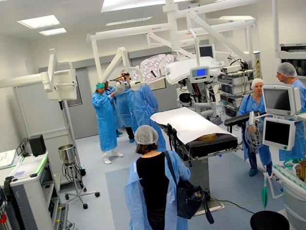 Po několikaměsíční rekonstrukci jsou v novojičínské nemocnici v provozu nové operační sály a anesteziologicko-resuscitační oddělení. Investice činila přes 200 milionů korun.