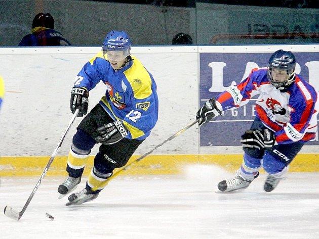 První derby na ledě Nového Jičína Studénka nezvládla, domácí utkání proti sousední Kopřivnici už však hokejisté Studénky urvali pro sebe.