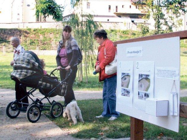 Před pár lety v Odrách otevřeli zrekonstruovaný zámecký park, jehož výstavba byla rovněž podpořena dotací. Díky nim se ve městě intenzivně buduje i nyní.