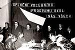Hasičská schůze v roce 1972.