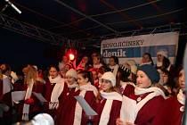 Akce Česko zpívá koledy na Masarykově náměstí v Novém Jičíně.