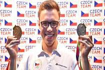 NOVOJIČÍNSKÝ ploutvař Jakub Jarolím získal v Polsku dvě medaile a mohl se spolehnout na podporu svých fanoušků.