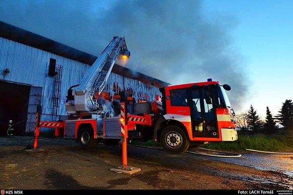 Požár seníku vPetřvaldíku, místní části Petřvaldu.