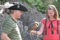 Sokolnické odpoledne 12. července na starojickém hradě přineslo zábavu i poučení. Kromě hudebního vystoupení skupiny Hubertus se zde konala i odborná přednáška na téma ochrana dravců a sov.