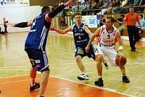 Basketbalisté Nového Jičína přivítali v prvním utkání semifinálové série play-off BK Prostějov. Ilustrační foto.