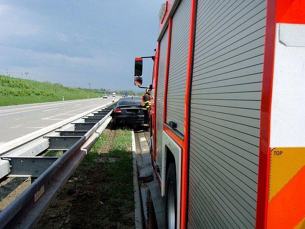Audi havarovalo na dálnici D1 uVelkých Albrechtic