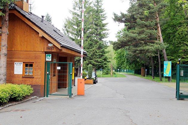 Autokemp Frenštát pod Radhoštěm se nachází v příjemném prostředí na okraji města.