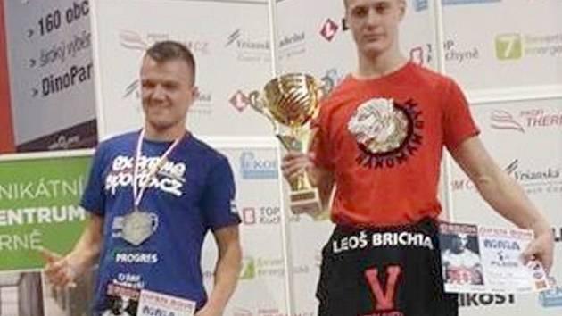 Radek Veřmiřovský na snímku vlevo.