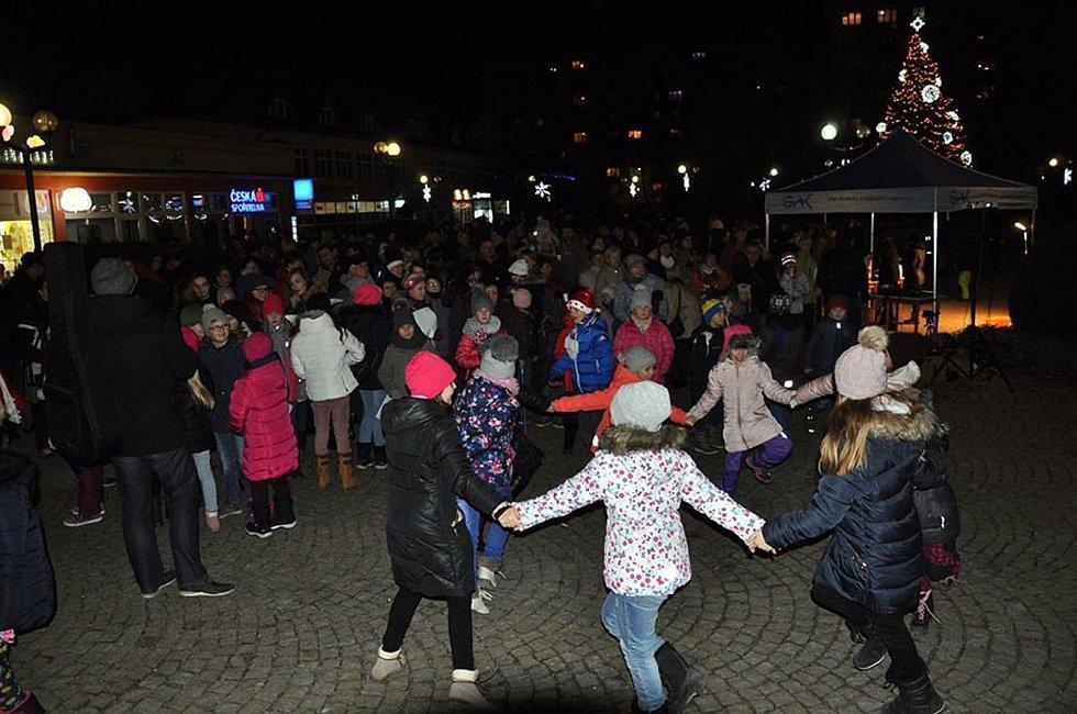 Ve Studénce se lidé veselili i po skončení oficiální části akce Česko zpívá koledy.