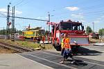 Odstraňování škod ve Studénce po srážce pendolina s náklaďákem.