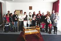 Takto vítali nové občánky v loňském roce v Jeseníku nad Odrou.
