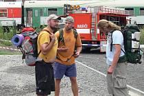 Trojice mladíků se vracela z vandru z Ostravy a mířila do Pardubic.