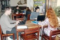 Jak to chodí na opravdové vysoké škole si mohli během uplynulých čtyř dnů vyzkoušet středoškoláci z celé republiky na gymnáziu v Bílovci.