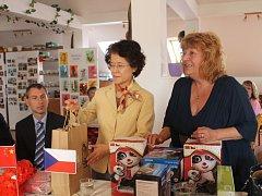 Domov Odry navštívila ve čtvrtek 30. srpna velvyslankyně Čínské lidové republiky, paní Ma Keqing.