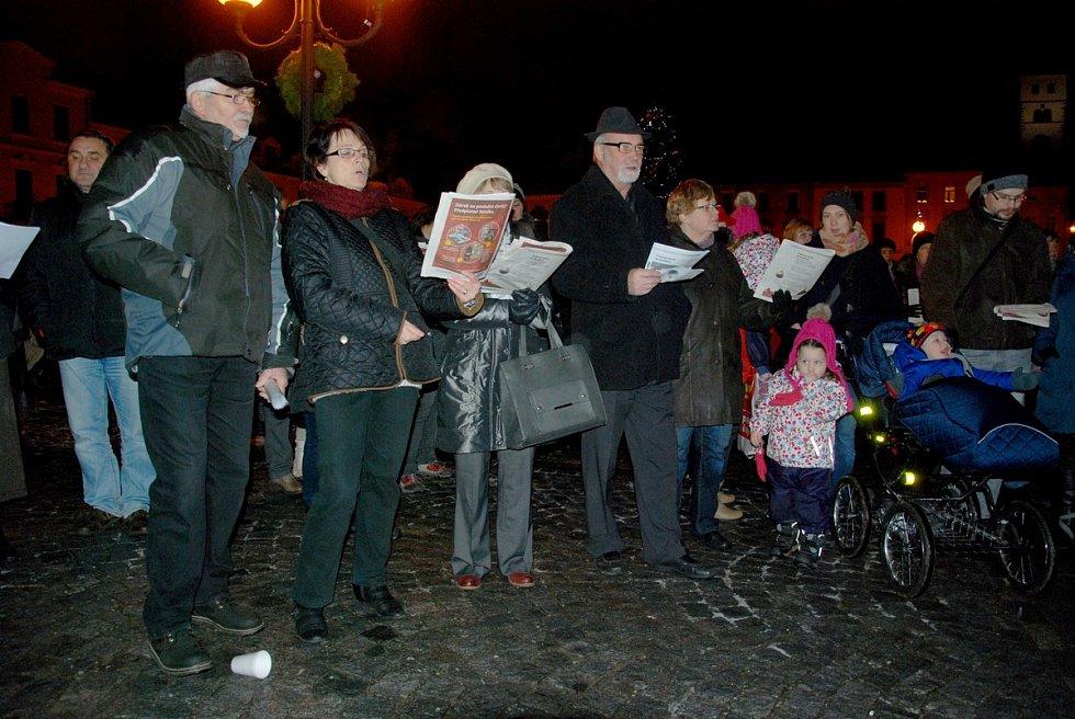 Celorepubliková akce Deníku Česko zpívá koledy v Příboře.