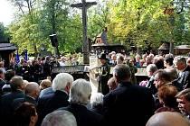 Valašský Slavín je nyní místem posledního odpočinku legendárního skokana Jiřího Rašky.
