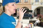 O zpestření programu akce se postarala Danuše Starečková (obchodní poradce Novojičínského Deníku). Její písničky pohladily na duši.