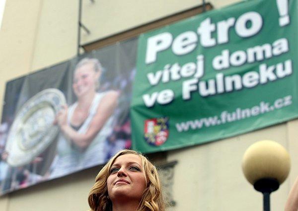 Takto vypadal příjezd Petry Kvitové do rodného města vroce 2011.