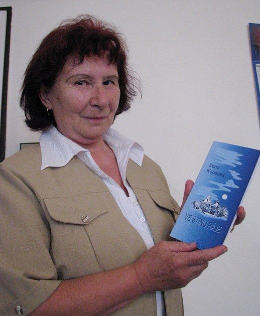 Příborská básnířka Irena Kopecká vydává třináctou sbírku básní. V té poslední, nazvané Ve stínu ráje, opěvuje Český ráj.