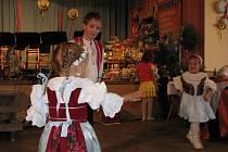 Budova závišického pohostinství U Kremlu sloužila obci dlouhá léta jako dejiště kulturních a společneských akcí.