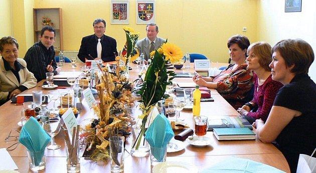 Premiérové setkání tajemníků měst dvou krajů, Moravskoslezského a Zlínského, zažila před pár dny Studénka.