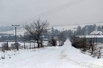 Místo, kde by měla stát biostanice v Bílovci-Staré Vsi, je od rodinných domů vzdáleno několik set metrů.