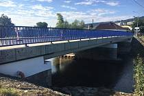 Most v Odrách je připraven k silničnímu provozu.
