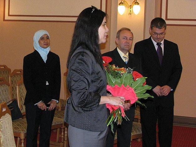 Patrně nejmenším partnerem republiky Indonésie je v České republice Frenštát pod Radhoštěm. V pátek to svou návštěvou stvrdila indonéská velvyslankyně Emeria Siregar.