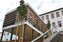 Stavba knihovny a centra pro seniory na Slezském náměstí v Bílovci je u konce.