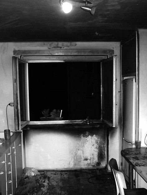 Škodu za minimálně 20 tisíc korun nadělal noční oheň v bytě na ulici Obránců míru v Kopřivnici.