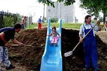 Dobrovolní hasiči Vrchů a další doborvolníci mají velký podíl na tom, že v obci vniklo centrum pro zábavu i chvíle odpočinku.