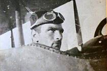 Kapitán Melč.