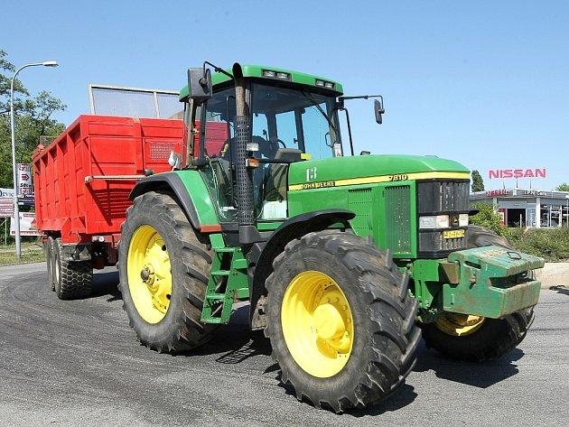 Traktor nabízel na internetu podvodník. Ilustrační foto.