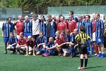 Internacionálové Sparty stále umí fotbalem bavit diváky. Dokázali to i v Novém Jičíně. Autorem jedné ze sparťanských branek byl i Roman Kukleta.