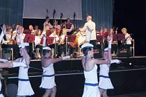 Balkánské dny kultury přinesly hlavně hudební zážitek. Na pódiu Městského kulturního střediska ve Studénce se představilo několik unikátních souborů, které vyprodanému sálu zahrály své nejlepší kousky.