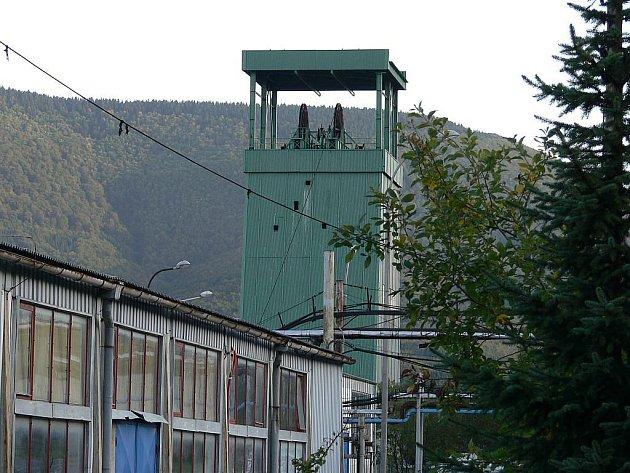 Těžní věže Dolu Frenštát jsou dlouholetým strašákem měst a obcí v okolí.