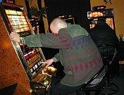 Herna s hracími automaty. Ilustrační snímek.