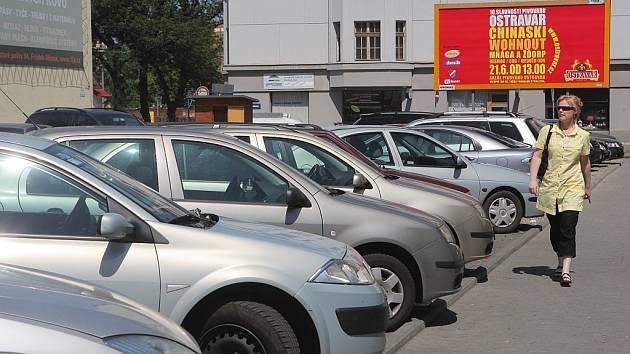 Program Prevence má v Novém Jičíně snížit také vykrádání aut. Ilustarční foto.