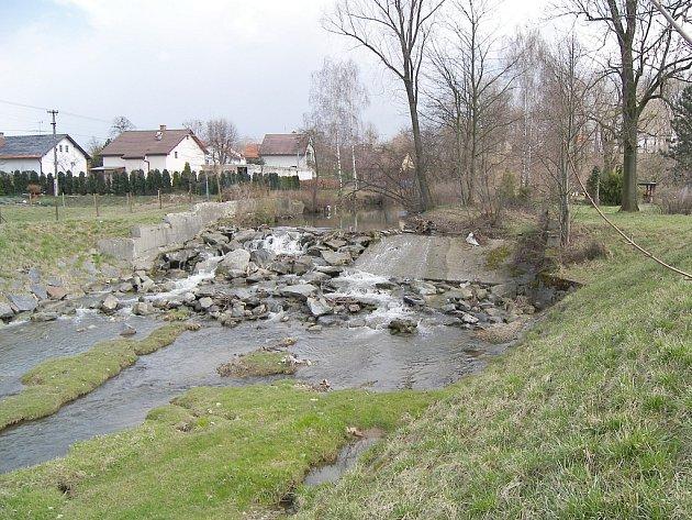 Druhá etapa protipovodňových úprav Sedlnice skončila. Obec by měla být i při větších deštích v bezpečí.