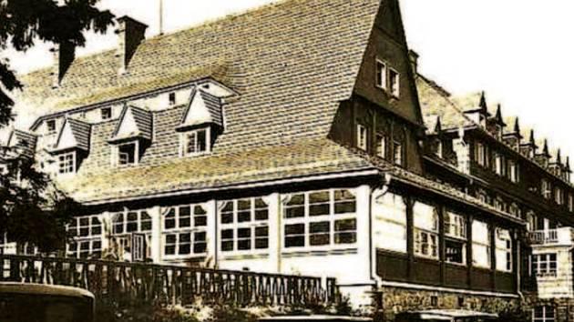 Hotel Tanečnica na fotografii z roku 1944.