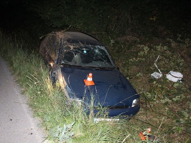 Nepoučitelný je nespíš čtyřiadvacetiletý řidič, který ve čtvrtek 29. srpna krátce po 21. hodině havaroval v Bílovci-Lubojatech.