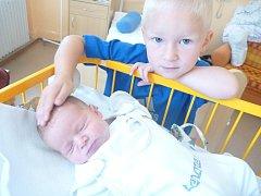 JAKUB ROZMARIN s bratrem Milanem, Kopřivnice, nar. 8. 8. 2014, 48 cm, 3,32 kg. Nemocnice Nový Jičín.