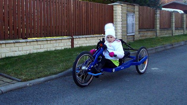Speciální kolo, které je celosvětovým unikátem, dělá Karolínce radost.