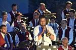 Nokturno pod věží se jmenoval koncert, na němž vystoupil  Lašský dechový orchestr se svými sólisty.