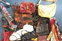 Během měsíce října přinesli čtenáři Novojičínského deníku do naší redakce desítky kabelek, kravat, šátků i šál.