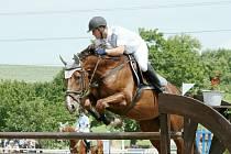 Vítěz hlavní soutěže, domácí Karel Lamich na koni Georg.