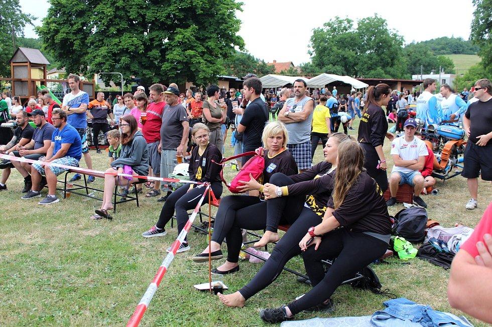 Oblíbená hasičská soutěž Terénní vlna se uskutečnila v pátek 5. července v Lukavci, místní části Fulneku, už potřiatřicáté.