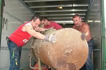 Téměř kompletní kloboučnická dílna z Polné u Jihlavy dorazila tento týden do Nového Jičína, města klobouků.